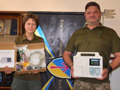 Волонтери придбали для військовослужбовців мобільний електрокардіограф