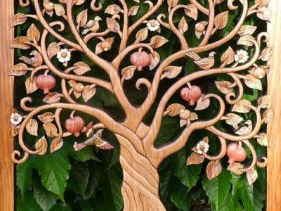 «Дерево життя» – у Києві відкрилася виставка робіт із дерева ветерана Анатолія Обельця