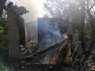 Окупанти обстріляли Авдіївку. Зруйновано два будинки