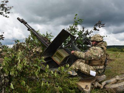 Окрема мотопіхотна бригада провела маневри з бойовою стрільбою