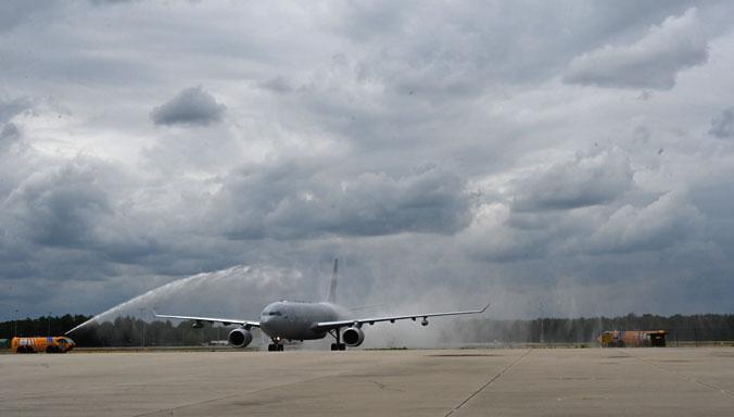 У Нідерландах приземлився перший літак у рамках багатонаціонального транспортного флоту