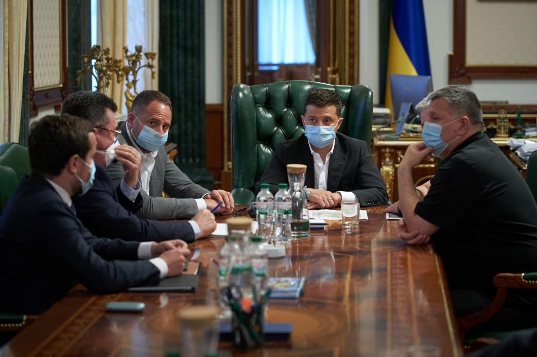 До подолання лісової пожежі в Луганській області залучені підрозділи ЗСУ, Нацгвардії та додаткові сили ДСНС – доповідь Президенту