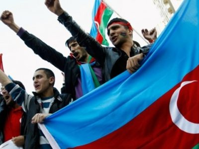 Майже 38 тисяч азербайджанців записалися до армії на тлі конфлікту з Вірменією