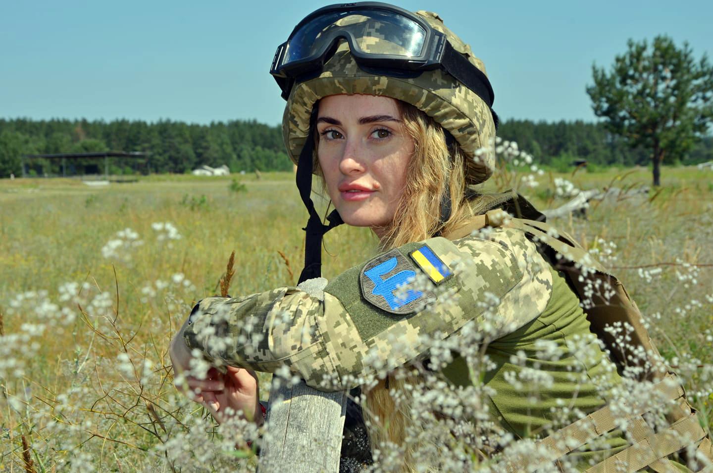 Старший солдат Мар'яна Савицька приїхала з Франції, щоб захищати рідну Україну від російського агресора