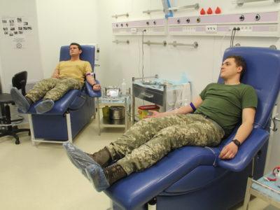 Військовослужбовці-донори отримають суттєву надбавку до грошового забезпечення