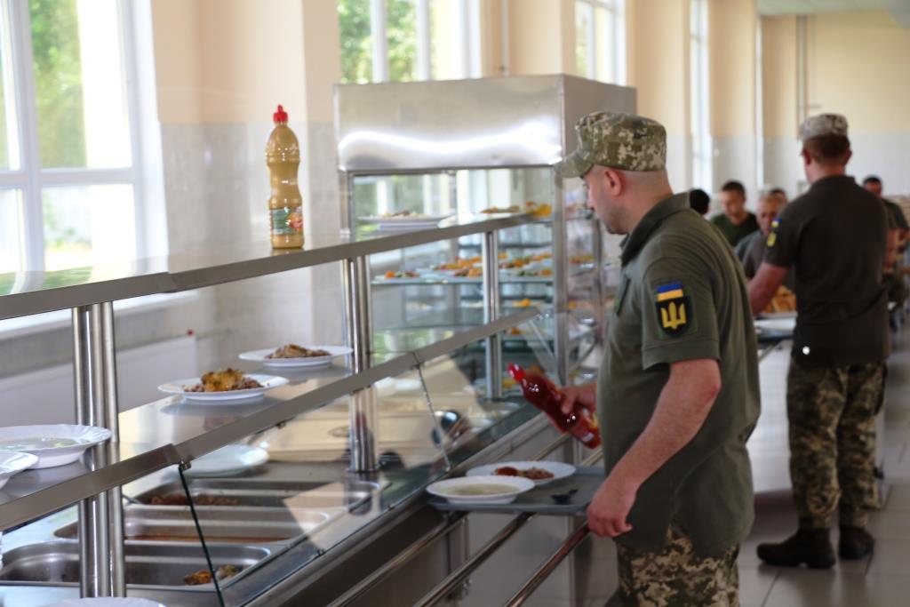 Відтепер у Гончарівському є нова їдальня для контрактників і строковиків