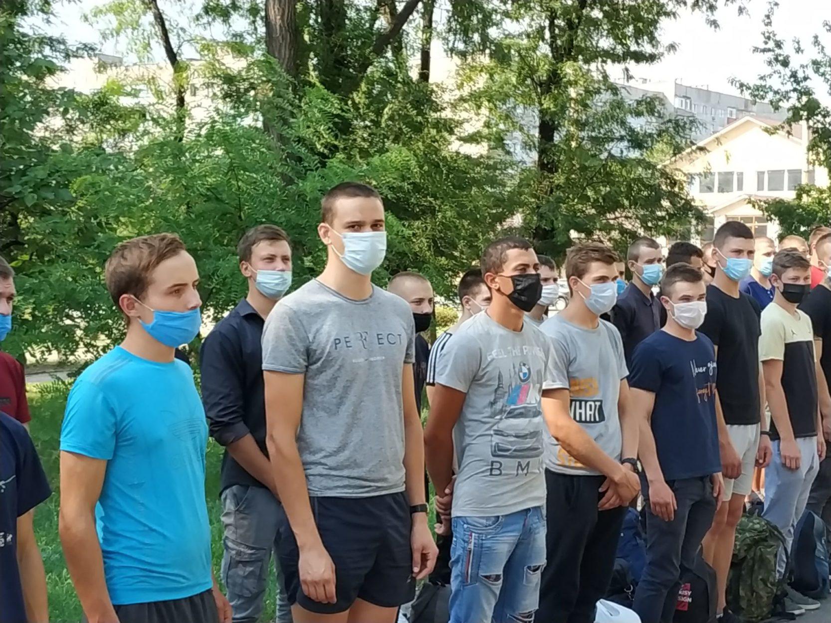 Донбас проводжає новобранців, або Як пройшла призовна кампанія на Донеччині