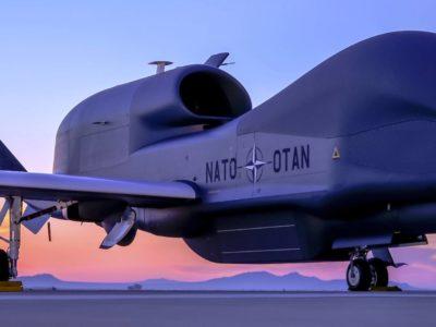 НАТО у Європі завершує формування системи розвідки стратегічними дронами RQ-4D Phoenix