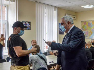 Добровольці АТО отримали посвідчення учасника бойових дій