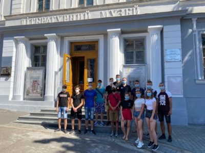 Абітурієнтам вишу провели екскурсію пам'ятними місцями Одеси