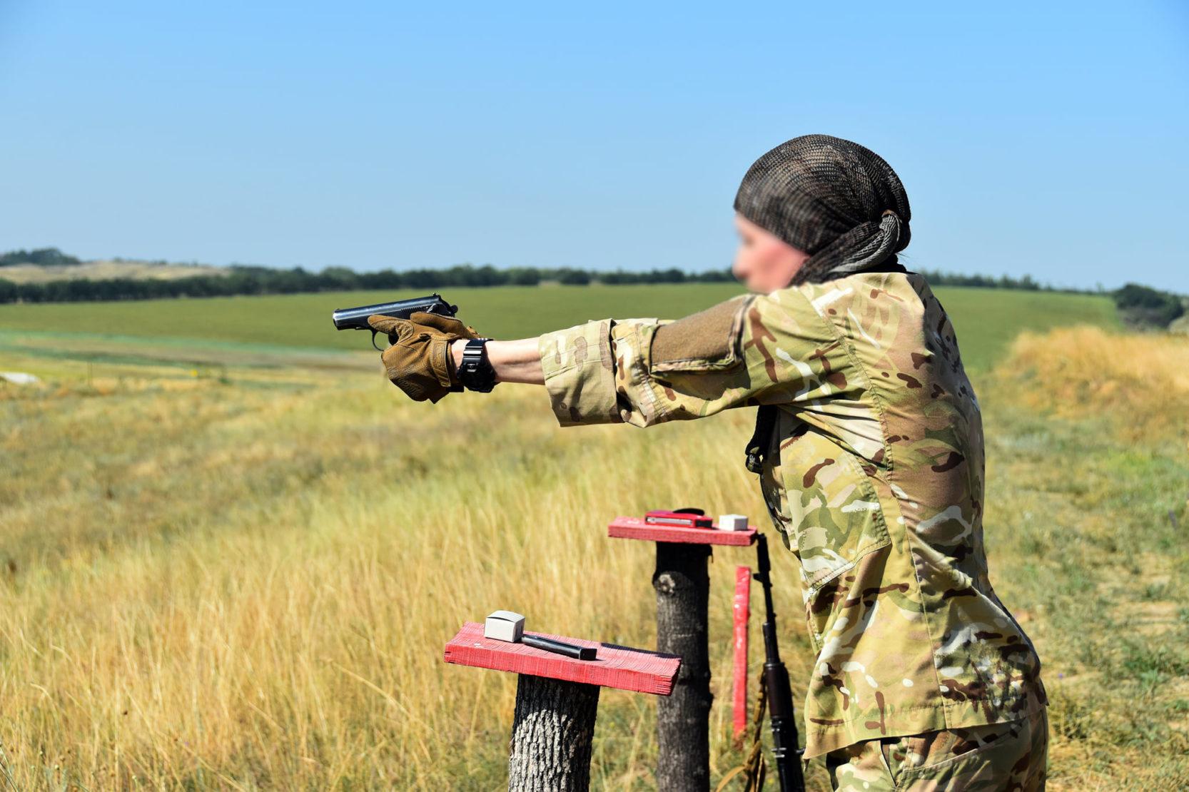 Дівчина-розвідниця – найкращий швидкісний стрілець бригади