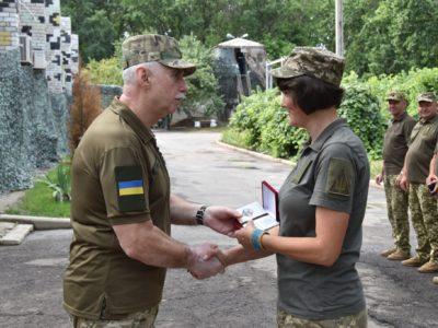 Військовослужбовці зі складу Об'єднаних сил отримали відзнаки РНБО України
