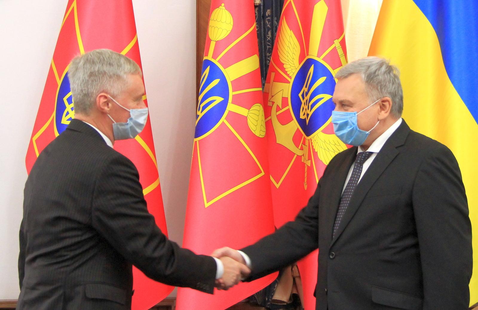 Міністр оборони України та новопризначений Надзвичайний і Повноважний Посол Литовської Республіки в Україні обговорили нові проєкти у сфері безпеки