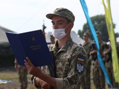 124 випускники кафедри військової підготовки ВІТІ склали присягу