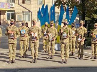 У ВІТІ вшанували пам'ять загиблих офіцерів-зв'язківців