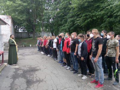 На Хмельниччині армійський однострій одягнули понад 600 призовників