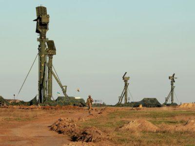 Підрозділи зенітних ракетних військ тренуються до знищення ворожих повітряних цілей