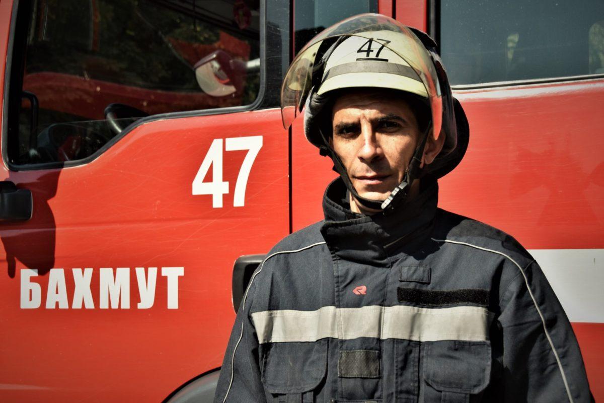 Командувач ООС генерал-лейтенант Кравченко привітав рятівників з професійним святом