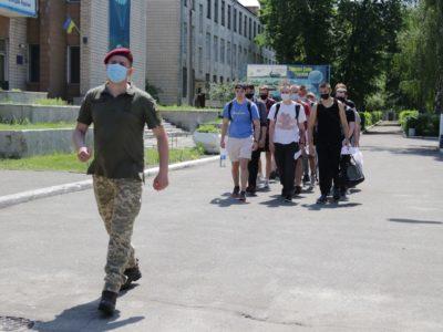 Студенти призовного віку до 1 жовтня повинні подати до військкоматів довідки «форма 17»