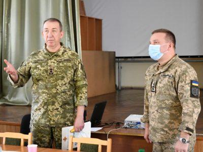 «Якщо не створювати новин, то інформаційне поле наповнить і використає ворог», — генерал-лейтенант Сергій Корнійчук