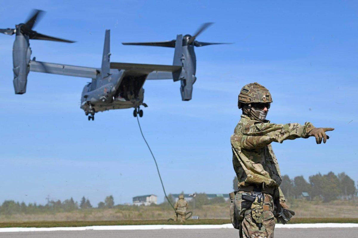 Є унікальна можливість побачити літаки ВПС США – Lockheed та Osprey