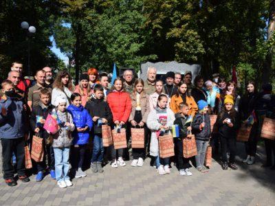 Діти полеглих героїв Полтавщини отримали іменні обереги від воїнів «Бойового братерства України»