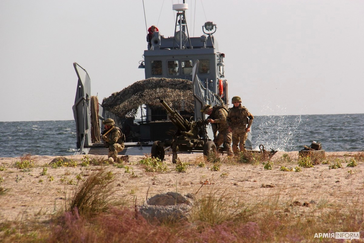 «Об'єднані зусилля — 2020»: наші моряки відбили ділянку українського узбережжя, яку захопив умовний противник