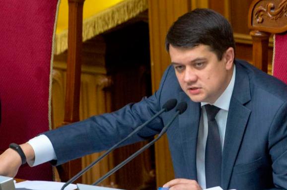 Голова Верховної Ради ініціює законопроєкт про безкоштовне харчування для дітей загиблих військовослужбовців