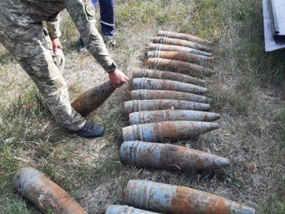 На Луганщині СБУ виявила схрон зі снарядами