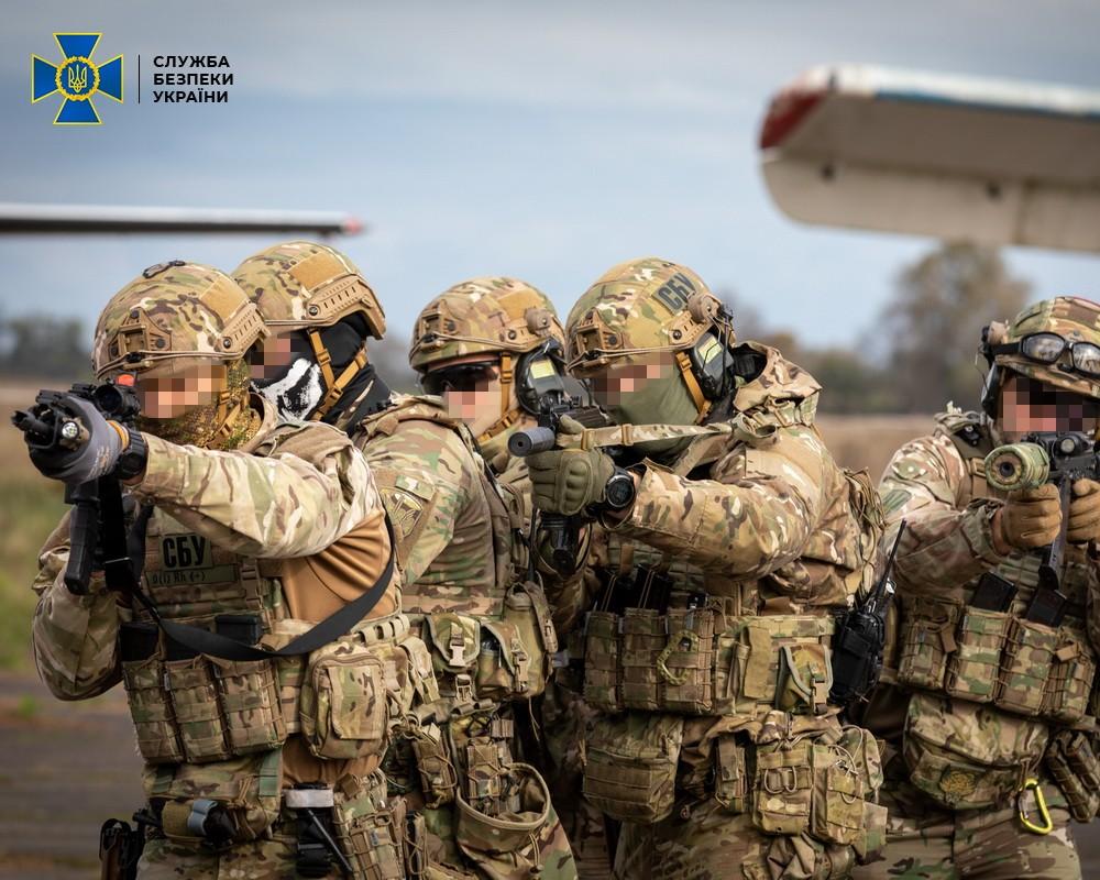 У Рівненському аеропорту боролися із «терористами»