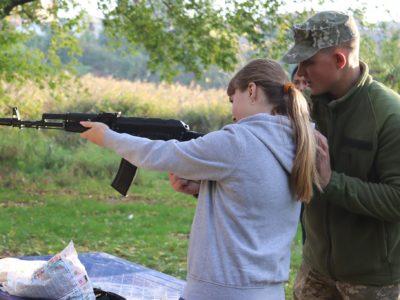 """У Вінниці військові правоохоронці взяли участь у молодіжному заході """"Козацькі забави"""""""
