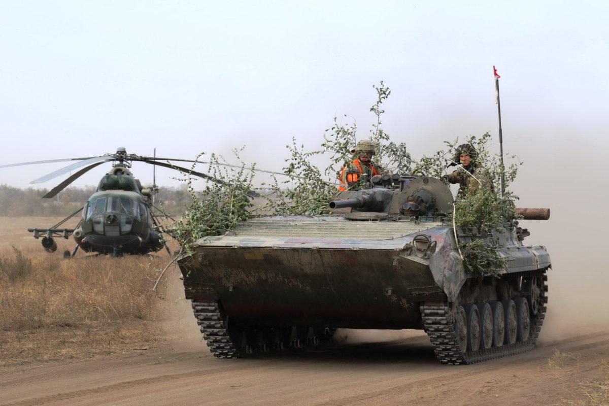 Не дозволю скоротити фінансування армії у 2021 році – Президент