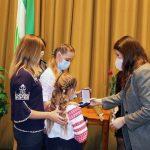 На Чернігівщині сім'ї загиблих захисників отримали почесні відзнаки