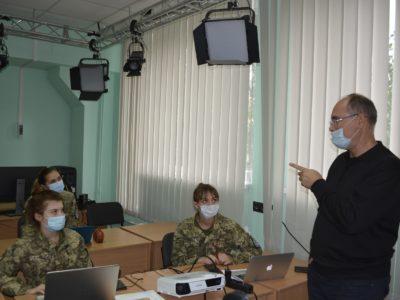 Як курсанти прагнуть зробити медіаграмотними армійців
