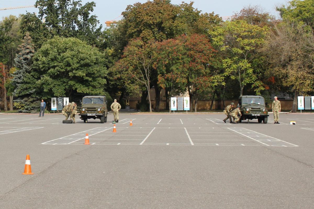 В Одесі відбулася військово-автомобільна естафета