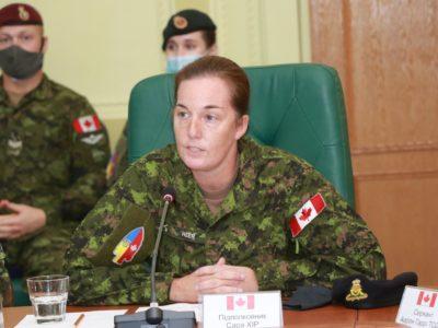 Уперше канадську тренувальну місію UNIFIER очолила жінка – підполковник Сара Хір