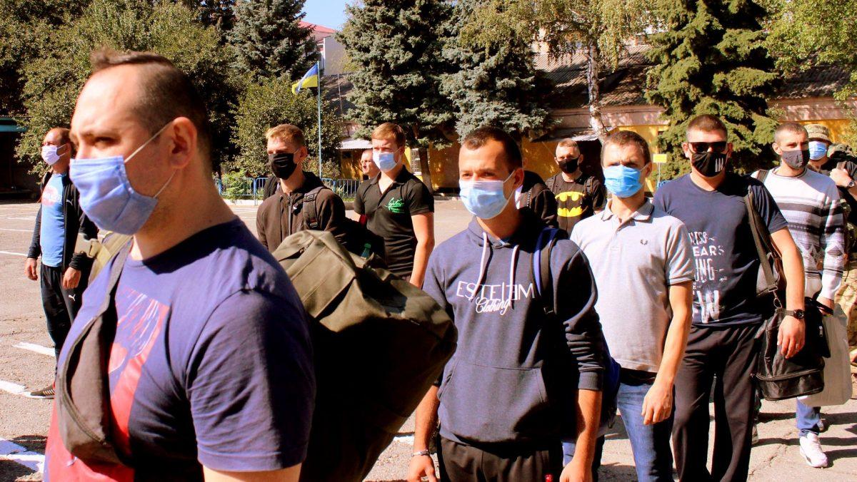 Понад 1600 контрактників з початку року направлено до війська з Дніпропетровщини