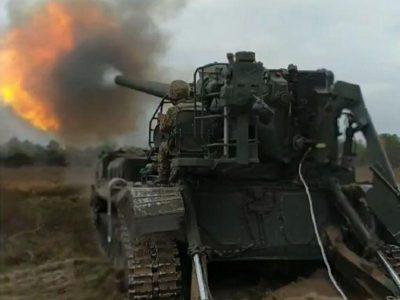 Як гармаші великого калібру проводили  бойові стрільби