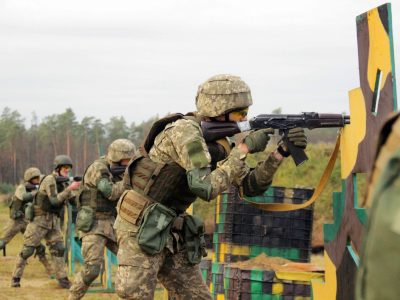 Подолання «смуги розвідника», «жива» стрільба і марш» – танкісти й піхотинці змагалися за звання найкращого відділення
