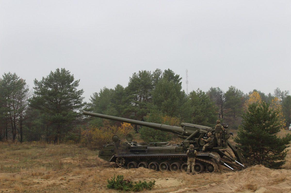 Протитанкісти та артилерія великої потужності готуються до виконання вогневих вправ бойовим пострілом