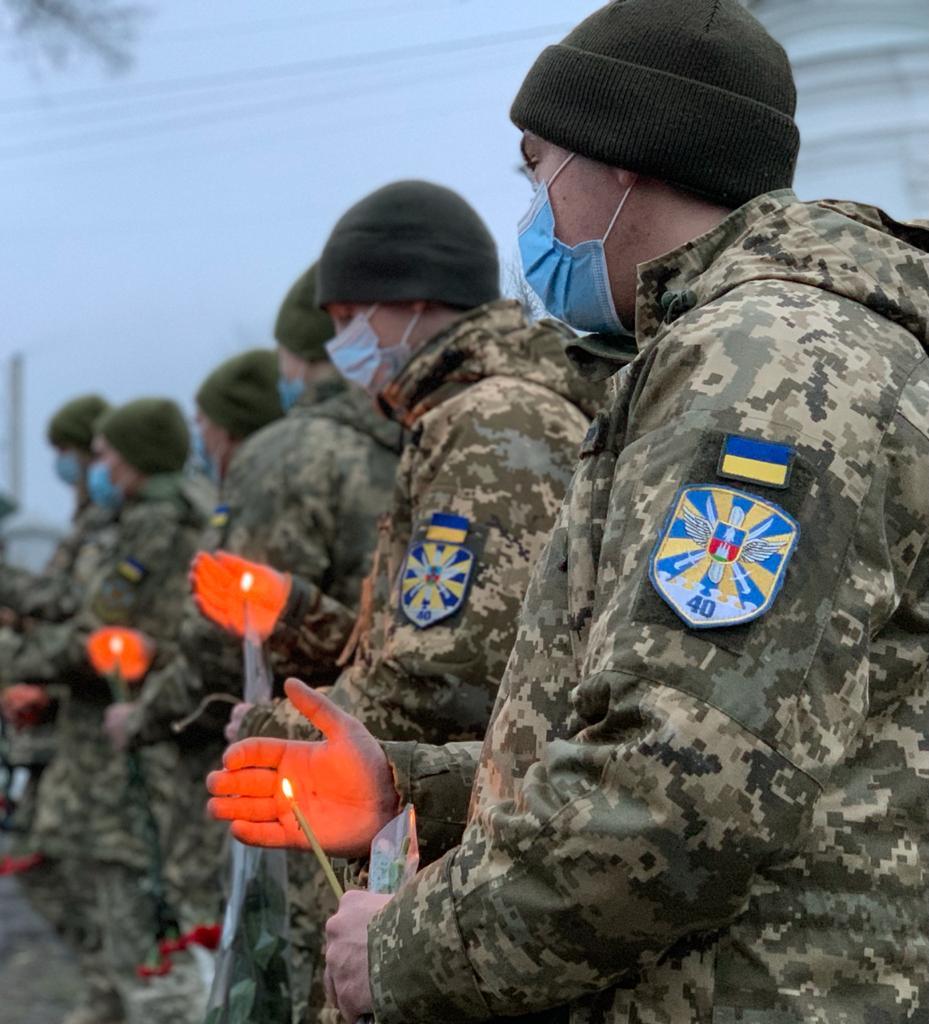 Військові авіатори долучилися до спільної молитви за душі жертв голодоморів в Україні на Київщині