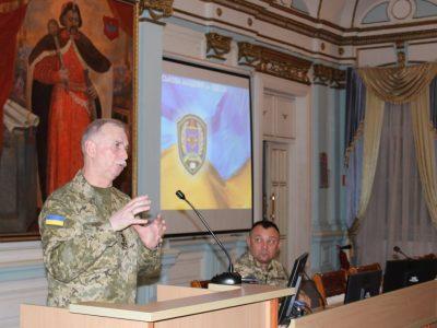 Михайло Коваль вручив відзнаки РНБО України викладачам та курсантам Військової академії