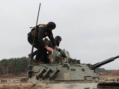 Протягом першого семестру третьокурсники Національної академії сухопутних військ навчаються виключно на полігоні