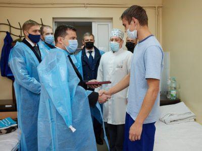 Президент відвідав Військово-медичний клінічний центр Східного регіону
