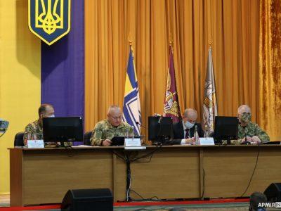«Збройні Сили України не можуть розвиватися окремо від інших складових сектору національної безпеки і оборони, окремо від суспільства, держави»