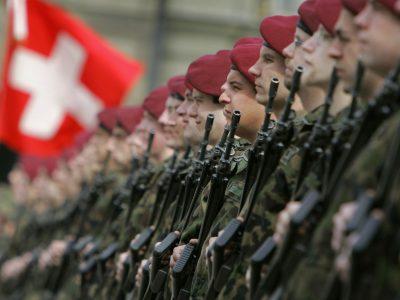 Влада Швейцарії залучить армію для боротьби з COVID-19