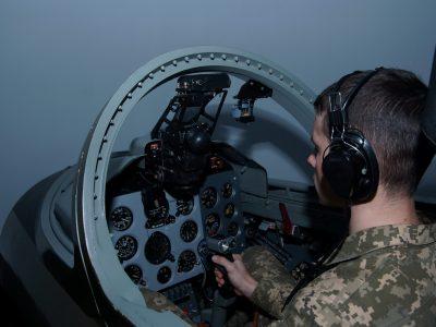Допуск до виконання практичних польотів — лише після підготовки на тренажері