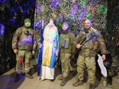 Юні волонтери «озброїли» Святого Миколая подарунками для воїнів