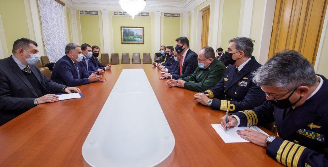 Україна та Бразилія обговорили стратегічну співпрацю у військово-технічній та оборонній галузі