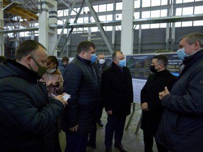 Володимир Зеленський ознайомився з новітніми зразками радіолокаційних систем і комплексів, які виготовляє НВК «Іскра»